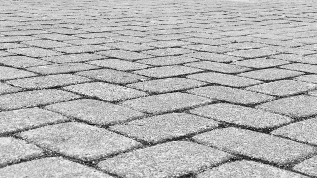 5 Things You Should Know Before Hiring the Right Paving Company